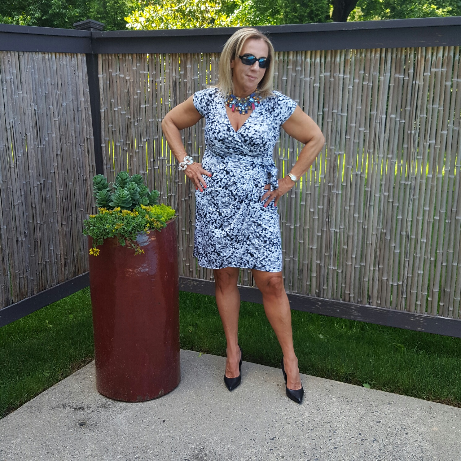 Over 50 dresses black and white standing - followPhyllis