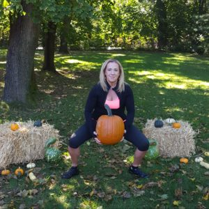 follow-phyllis-fall-fitness-plie-squats