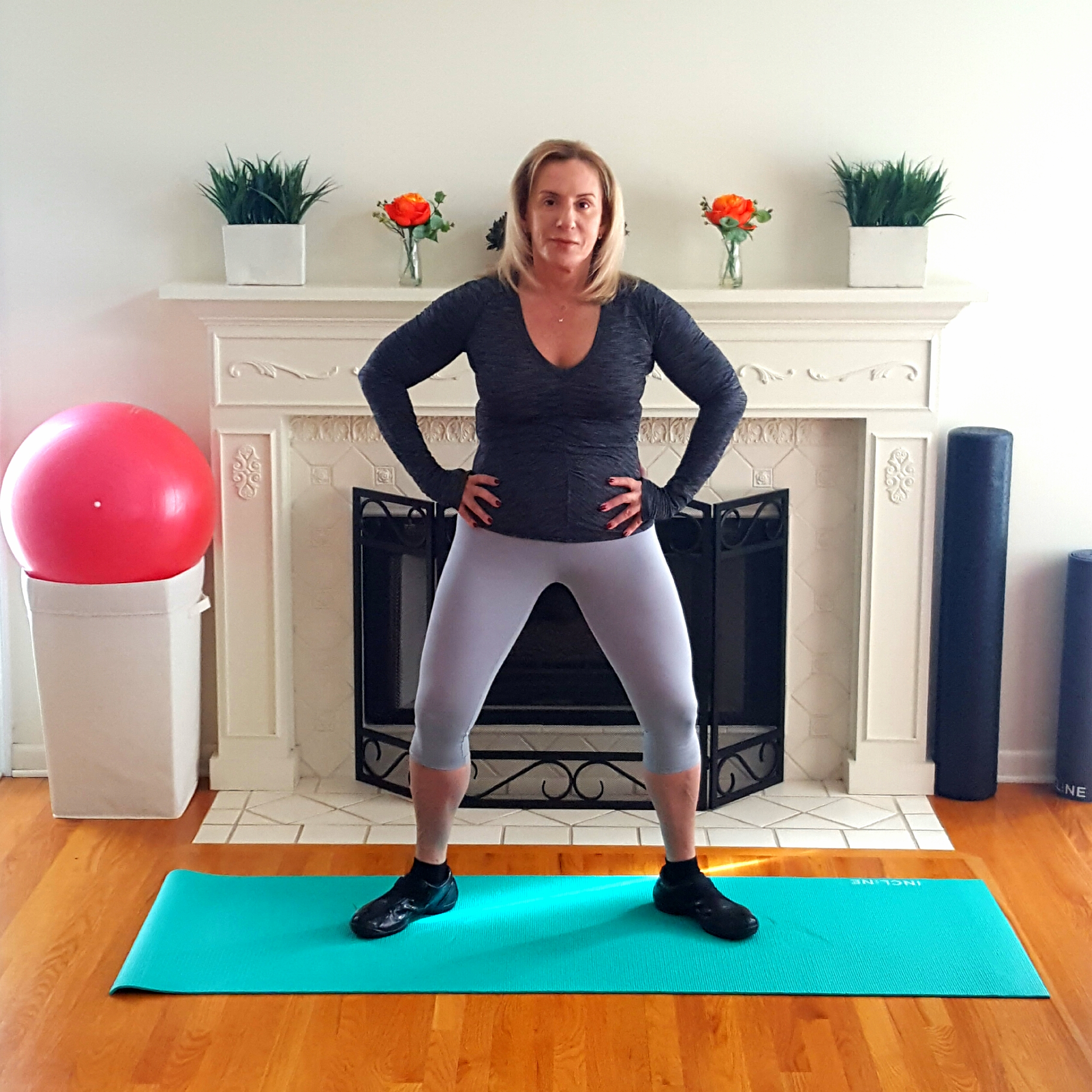 5 SIMPLE MOVES THAT WILL IMPROVE YOUR INNER THIGHS - followPhyllis