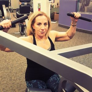 10 BRILLIANT WAYS TO FEEL COMFORTABLE IN THE GYM WHEN YOU'RE OVER 50