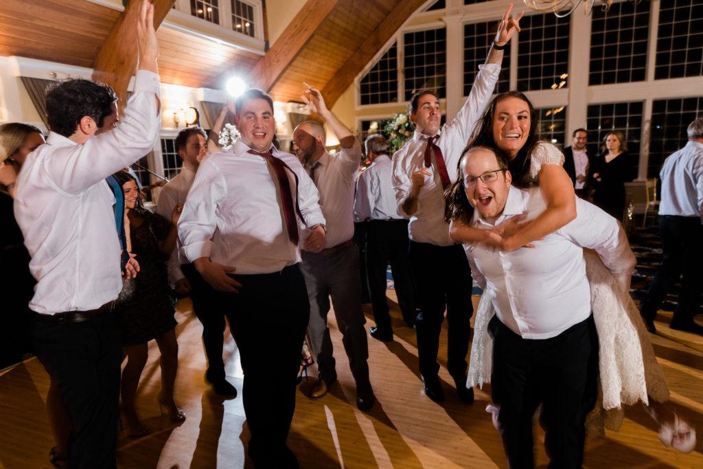 My daughter' wedding couple dance - followPhyllis